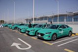 Almajdouie Motors - Hyundai delivers 100 airport taxi with its new identity